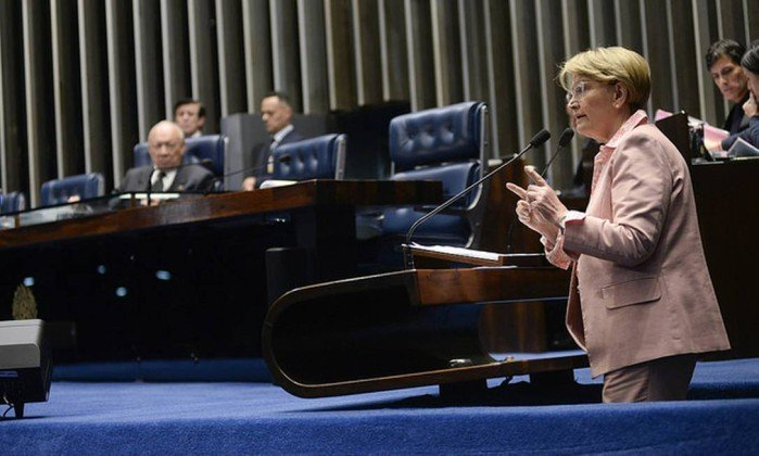 Senadora critica vídeo do PT à TV árabe e provoca discussão no Senado