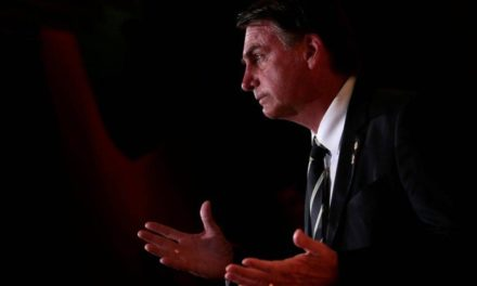 Bolsonaro passa mal e dá entrada em hospital