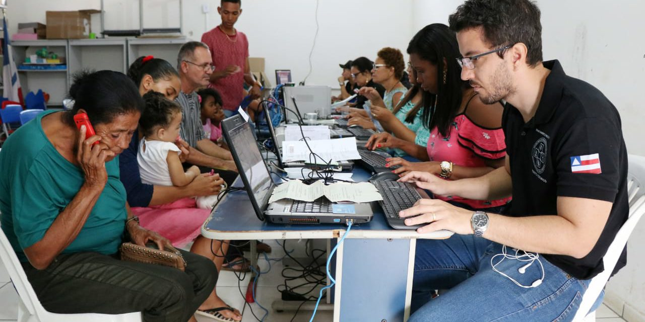 Moradores de Arataca marcam presença na Caravana da Justiça Social