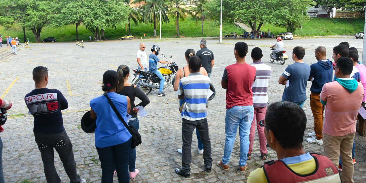 Caravana do Detran forma condutores em Itapetinga