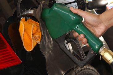 Governo ainda estuda redução de impostos sobre combustíveis