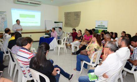 Redes de cooperativas da agricultura familiar discutem aprimoramento da comercialização