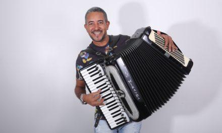 Forró 4 estações se apresenta com Jó Miranda no Forró do Talco