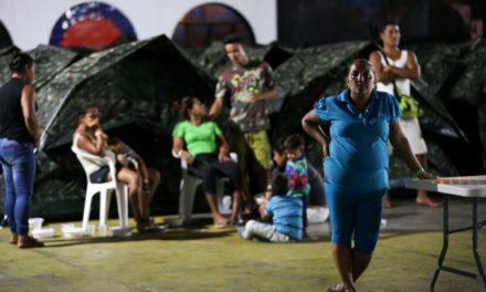 Venezuelanos deixam casa e família para buscar sustento no Brasil