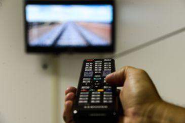 Número de contratos de TV por assinatura cai 4,33% em 12 meses