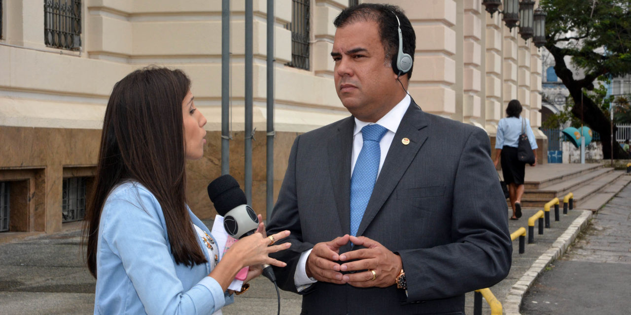 """Luiz Coutinho: """"Não vamos permitir que ninguém intimide os advogados e advogadas e também não vamos admitir a violência"""""""