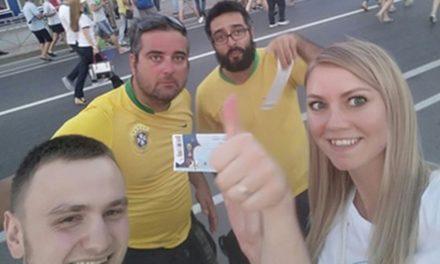 'As pessoas desconfiam de gentileza', diz brasileiro que doou ingresso para russo na Copa