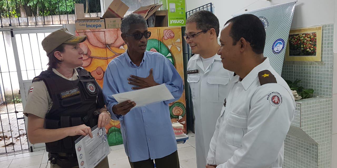 Policiais dentistas realizam projeto em escolas públicas