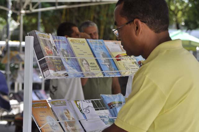 Biblioteca Central promove Feira de Troca de Livros