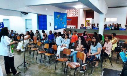 Comunidade escolar comemora 64 anos do Centro Pestalozzi