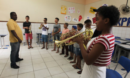 Fanfarras de colégios estaduais fazem últimos ensaios para desfile