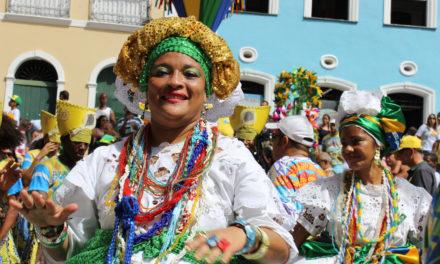 Comemoração da Independência da Bahia leva samba ao Pelourinho