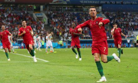 Cristiano Ronaldo faz três gols e garante empate contra a Espanha