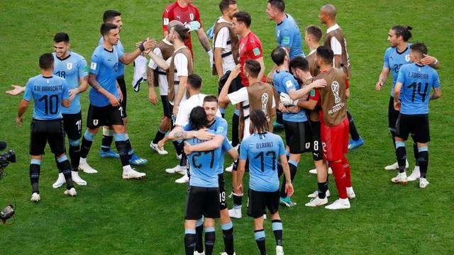 Uruguai para a Rússia, fecha primeira fase com 100% e fica com a primeira posição no grupo A