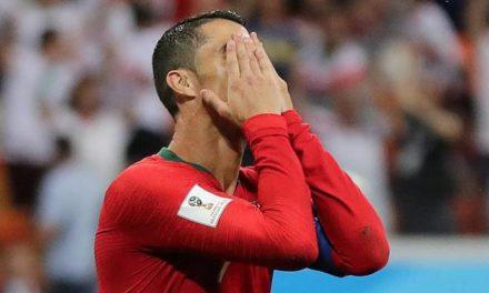 VAR vira protagonista, CR7 perde pênalti, e Portugal arranca classificação em empate com Irã