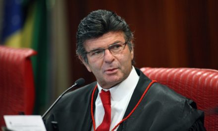 Ministro do STF suspende ações contra tabela do frete e convoca negociação