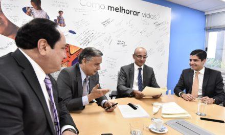 ACM Neto assina contrato que viabiliza crédito de US$135 milhões para Subúrbio