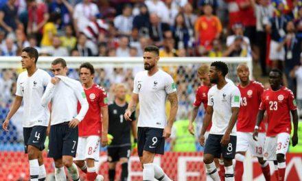 """Em """"jogo de compadres"""", França e Dinamarca protagonizam primeiro 0 a 0 e são vaiadas"""