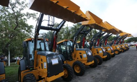 Governo entrega pacote de equipamentos para prefeituras e associações