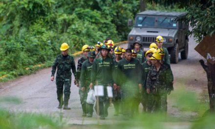 Imprensa da Tailândia afirma que mais quatro crianças foram resgatadas por mergulhadores
