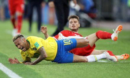Blindado por Tite, detonado por astros e ignorado pelo VAR: Neymar em foco