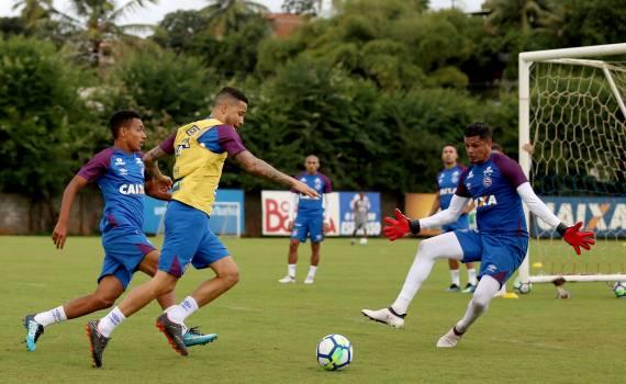 Bahia treina de olho no jogo contra o Vasco, na segunda, no Rio