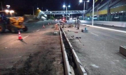 Novo divisor de pista é construído na saída da Paralela sentido rodoviária