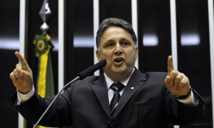 Justiça cassa direitos políticos de Garotinho por 8 anos