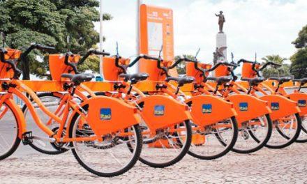 Sistema de compartilhamento de bicicletas mais moderno agrada usuários