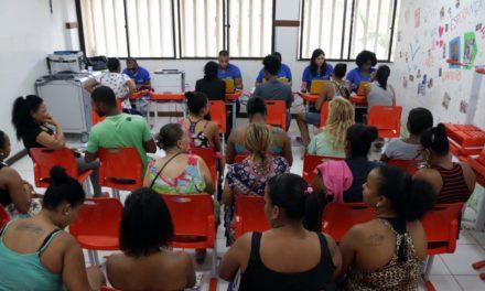 Prefeitura-Bairro Itinerante atende mais de 900 pessoas na Boca do Rio