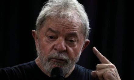 Barroso adverte PT que pode suspender propaganda se for exibida manifestação de apoio à candidatura de Lula