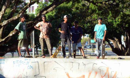 Pistas de skate promovem a integração social em Salvador