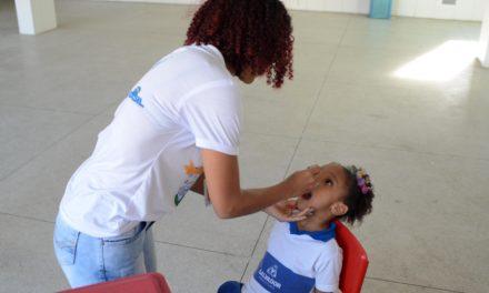 Vacinação contra pólio e sarampo acontece em mais 21 escolas nesta quarta (29)