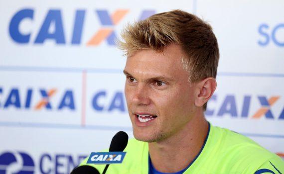 Douglas comemorou retorno ao posto de titular no gol do Bahia após contusão