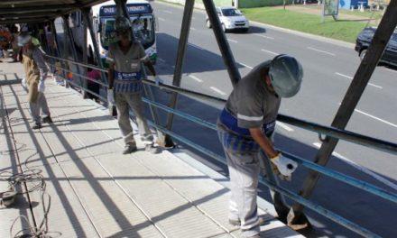 Prefeitura mantém ritmo de manutenção em sete passarelas de grandes avenidas