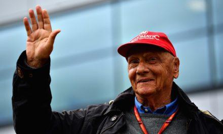 Niki Lauda desperta e já consegue respirar sem a ajuda de aparelhos