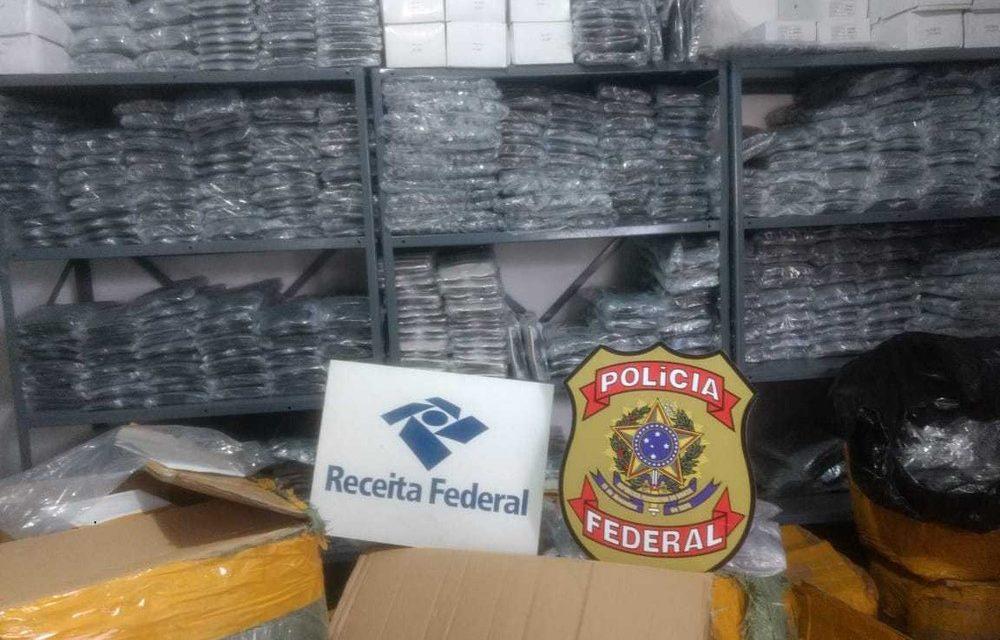 Operação apreende centenas de óculos de grife em duas casas na cidade de Feira de Santana