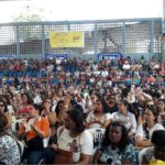 APLB vota pelo fim da greve e discute com Prefeitura reposição das aulas