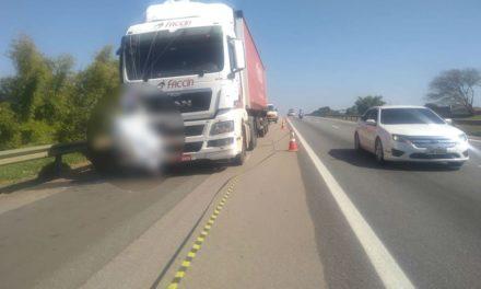 Paraquedista morre após cair em rodovia e ser atingido por carreta em Boituva