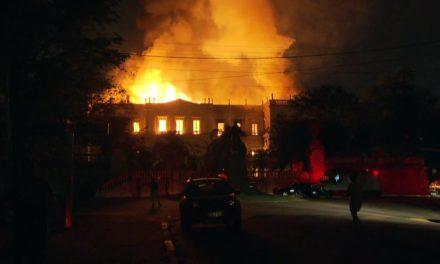 Problema em hidrantes colaborou para fogo se alastrar