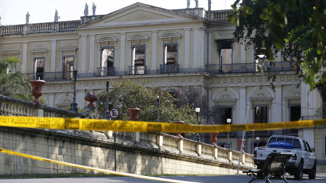 UFRJ inicia cobertura do telhado do Museu Nacional