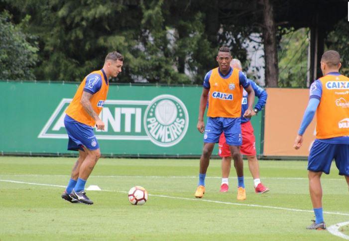 Tricolor faz treino técnico e tático no CT do Palmeiras