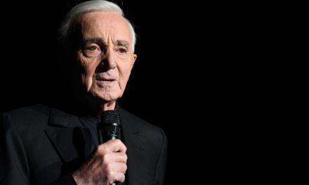 Charles Aznavour, cantor francês do sucesso 'She', morre aos 94 anos