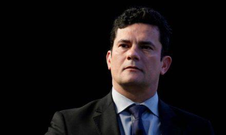 Moro diz que convite de Bolsonaro passará por discussão e reflexão