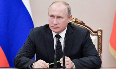 Putin e porta-voz da China parabenizam Bolsonaro