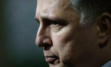 Celso de Mello mantém decisão do TSE de negar registro a Garotinho
