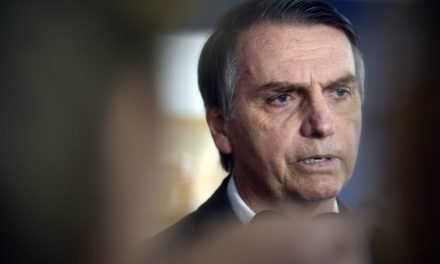 Bolsonaro diz que deverá indicar mulheres para compor ministério