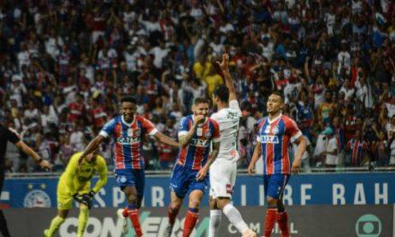 Bahia marca dois gols em três minutos e vence o Fluminense, que continua com risco de rebaixamento