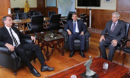 Bolsonaro quer reforma possível da Previdência neste ano; seria 'belo' final para Temer, diz Guedes