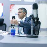 Fabrício Castro demonstra preparo ao apresentar propostas em debate da Sociedade